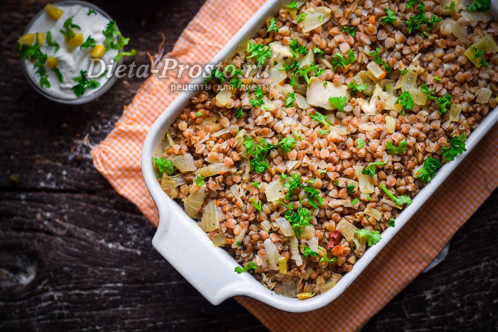 Гречка с курицей на сковороде рецепт с фото диетические — pic 3