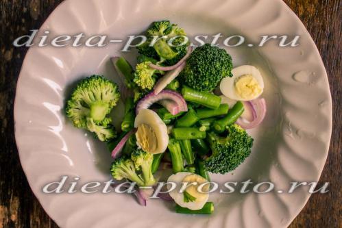 Салат из капусты брокколи с фасолью
