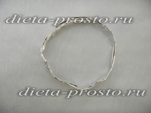 Сформировать кольцо из фольги