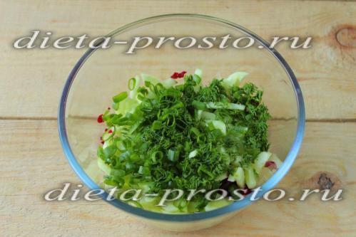 зеленый лук и укроп нарезать