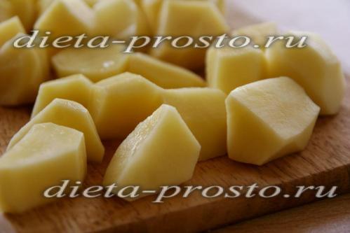 Картофель отварить до полгуготовности