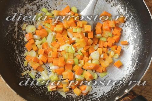 протушить овощи несколько минут