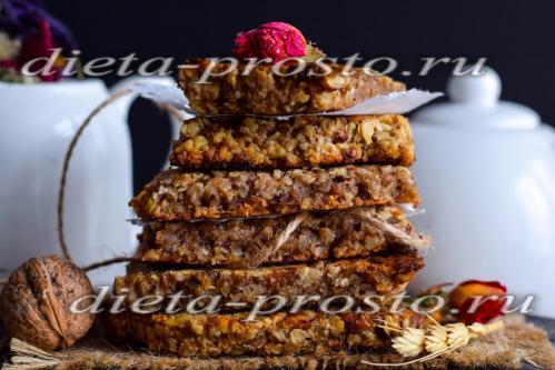 Рецепт овсяных батончиков с изюмом и орехами