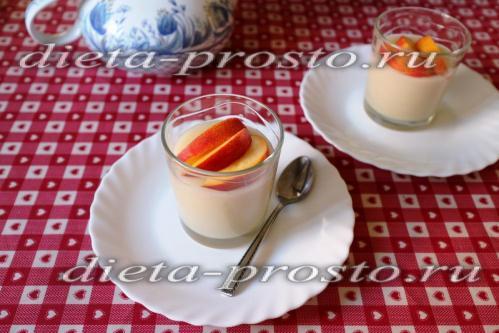 Постный рисовый пудинг с фруктами