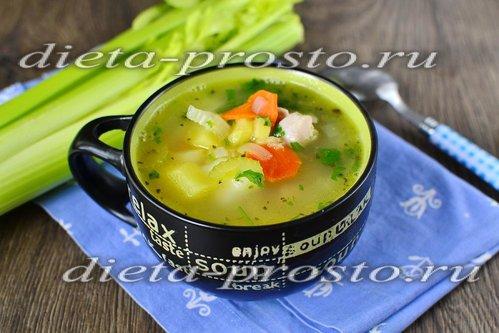 Куриный суп с черешковым сельдереем